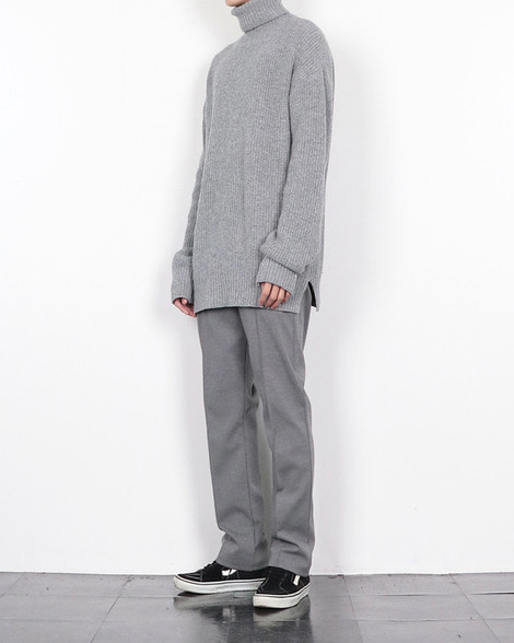 Lamb's wool turtleneck knit
